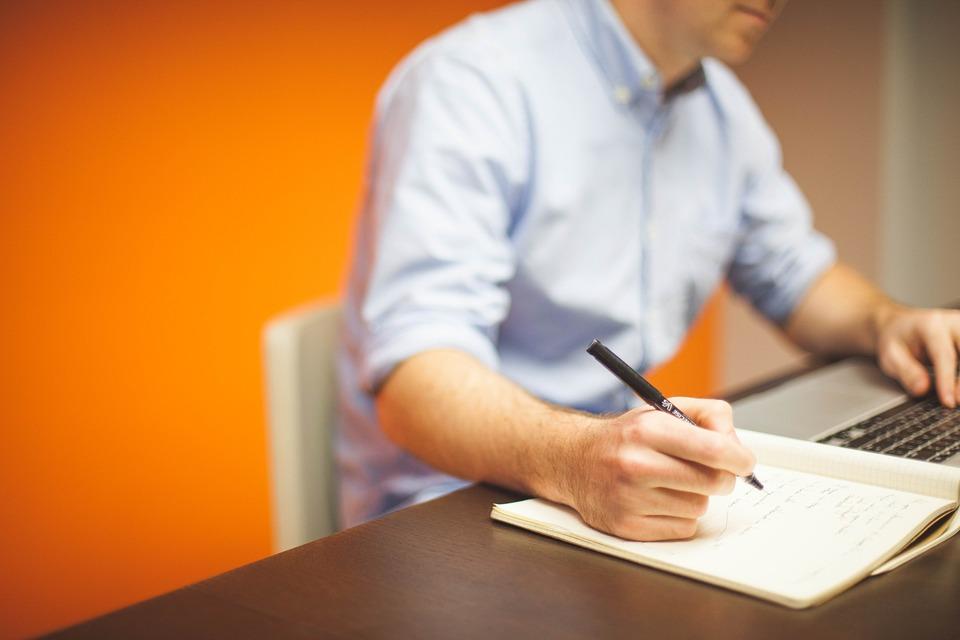 Budowanie relacji z klientami przekłada się na zyski firmy