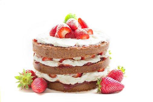 Udekorowanie tortu urodzinowego