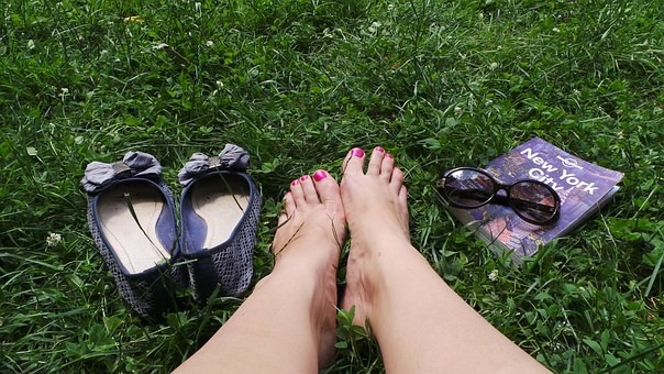 Jak zadbać o skórę stóp?