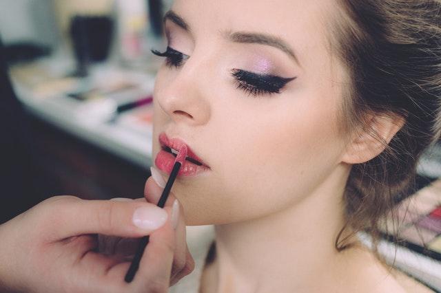 Nowe trendy w makijażu