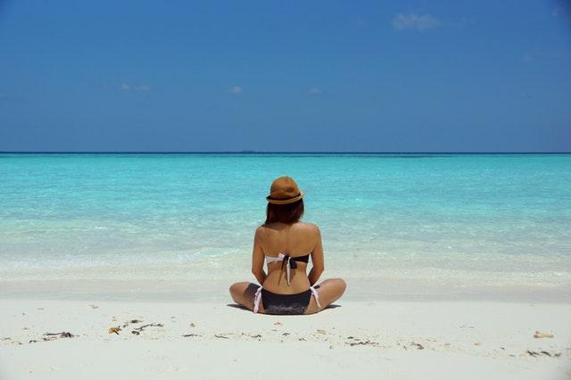 Jakich kosmetyków używać, aby móc cieszyć się słońcem?