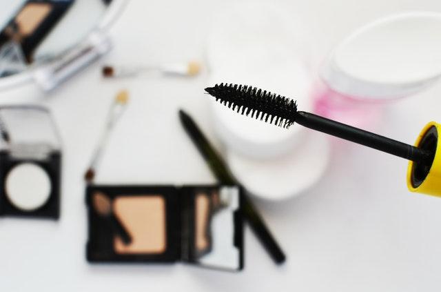 Tusz do rzęs: kosmetyk, który powinna mieć każda kobieta