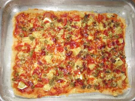 Czym można doprawić pizzę?